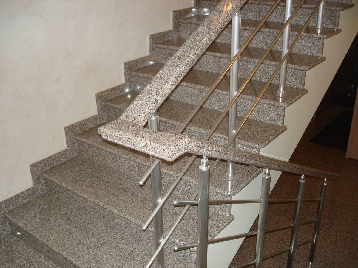 Лестница из цельного камня Gralit