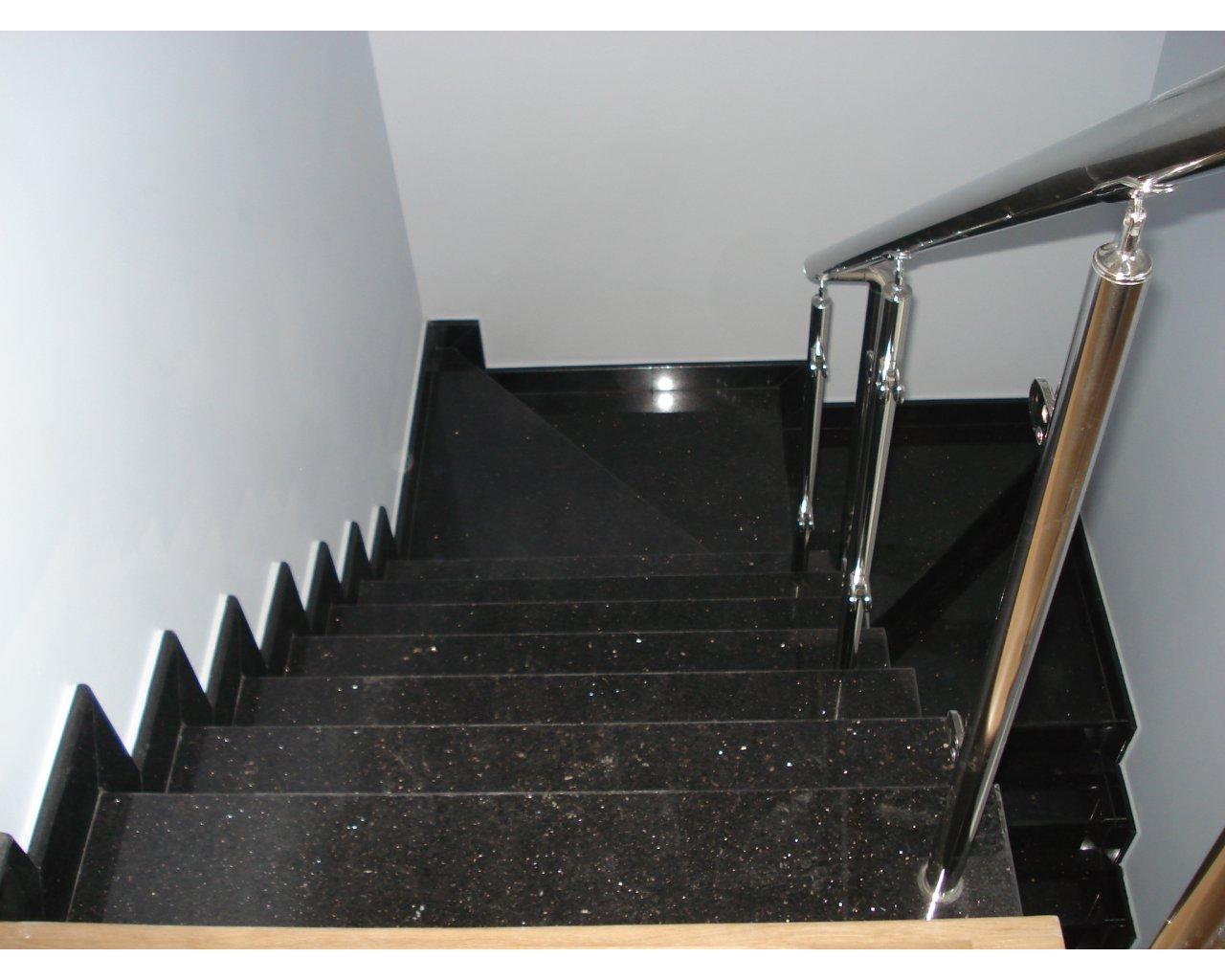 Лестница в 2х этажном доме