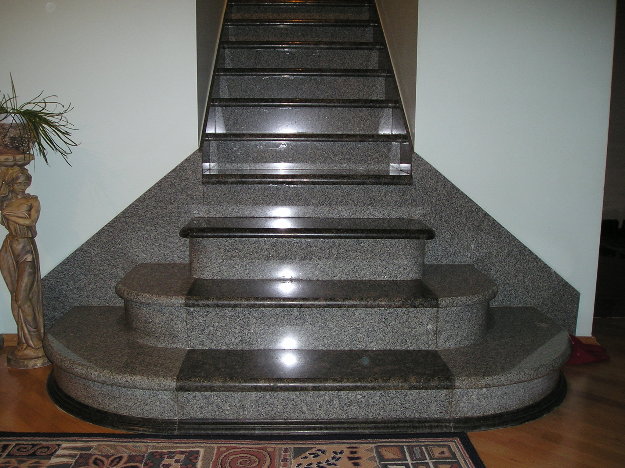 Необычная лестница с дизайнерским подходом
