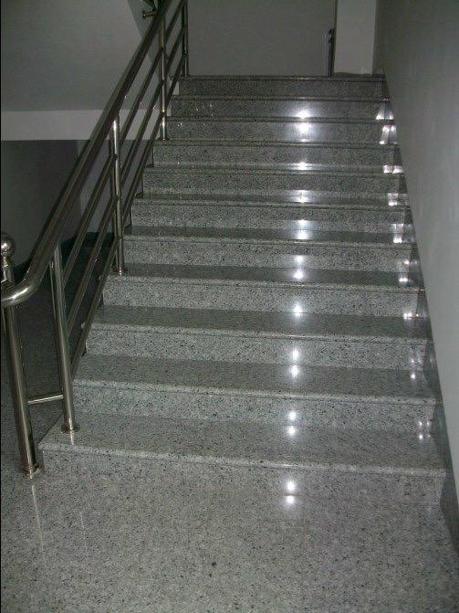 Лестница из камня Gralit в бизнес центре