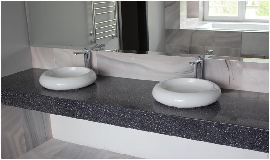 Столешница в ванную облицованная камнем Gralit