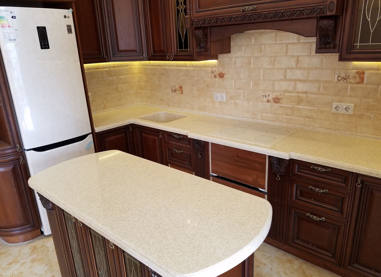 Столешница на кухню в классическом стиле