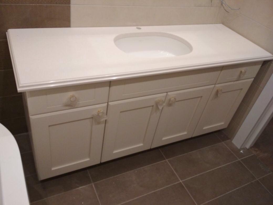 Столешница для ванной с фигурной кромкой