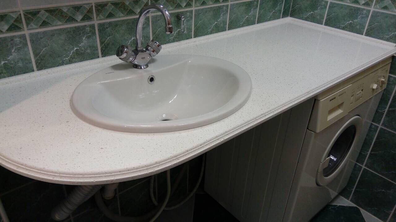 Столешница под стиральную машину из искусственного камня в ванную