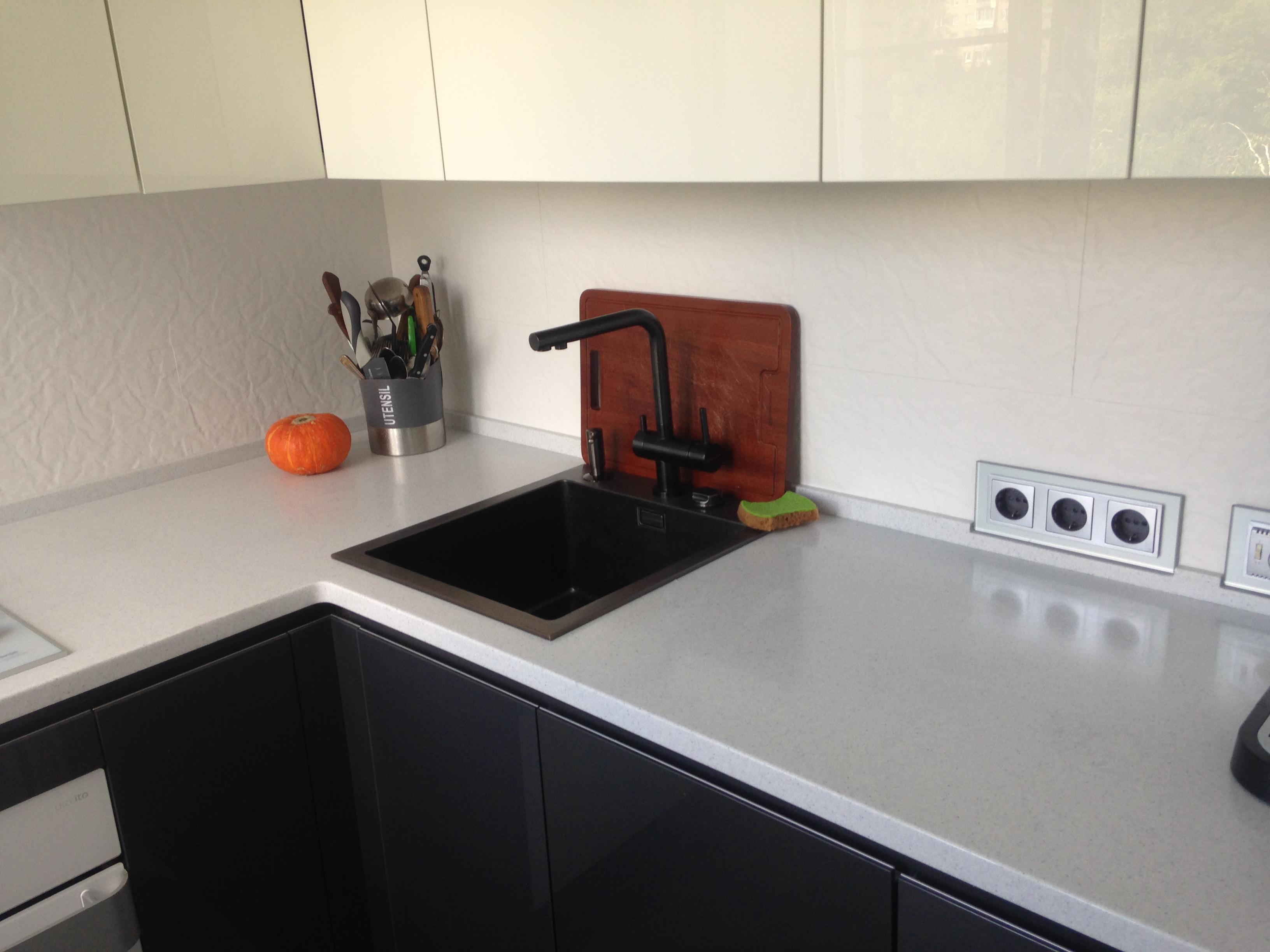Кухонная столешница с подоконником